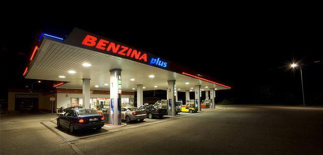 Benzina Petrol Station