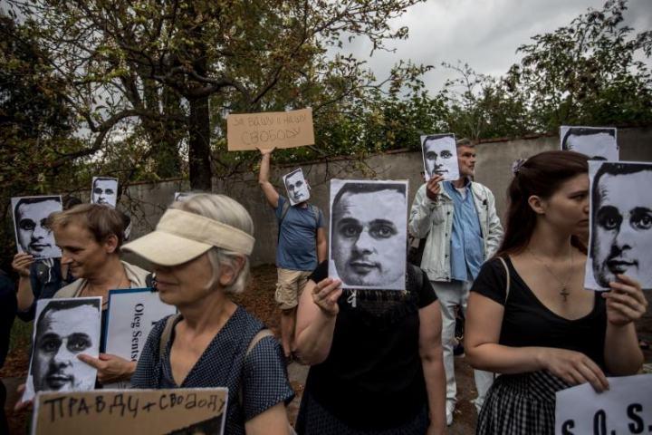 oleg sentsov silent protest prague russian embassy