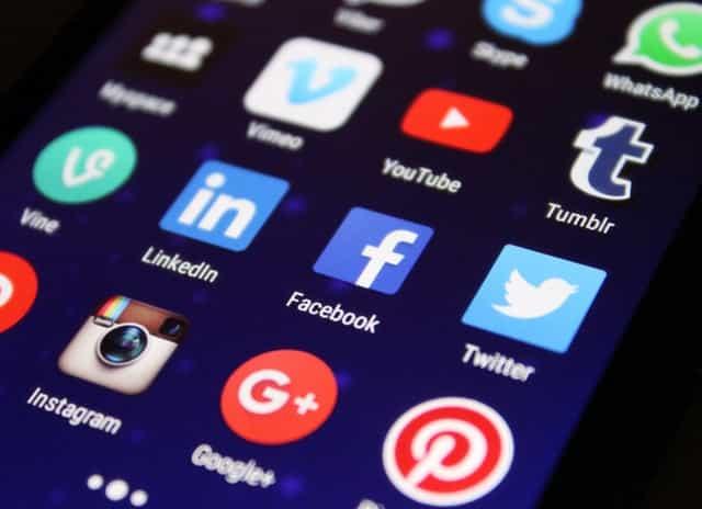 closeup apps on smartphone